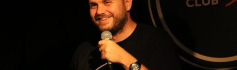 Иван Кирков на сцената на Комеди Клуб
